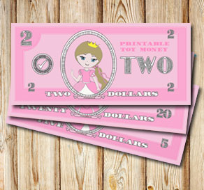Pink toy money with princesses: Two dollars  | Free printable toy