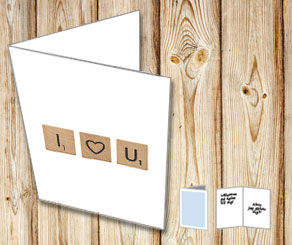 White cards with scrabble letters I HEART YOU  | Free printable for Valentines day