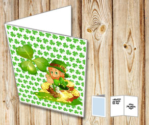 Green St Patricks Day card  with a gnome holding a ...  | Free printable for St Patricks day
