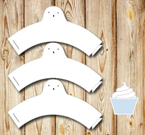 White cupcakewrappers with ghosts  | Free printable for Halloween