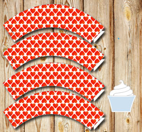 Cupcake wrappers with red hearts  | Free printable for Valentines day