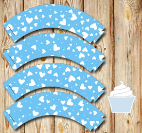 Light blue cupcake wrappers with white hearts  | Free printable for Valentines day
