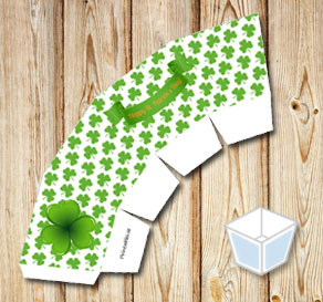 Treat box with green shamrock for St Patricks day  | Free printable for St Patricks day
