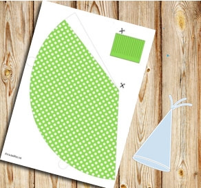 Green partyhat with white dots  | Free printable party hat