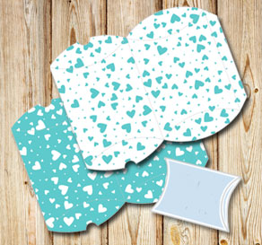 Pillow boxes with turquoise hearts  | Free printable for Valentines day