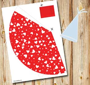 Red party hat with white hearts  | Free printable for Valentines day