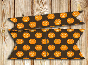 Straw decorations with pumpkins  | Free printable for Halloween