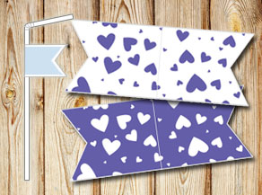 Straw decoractions with dark purple hearts  | Free printable for Valentines day