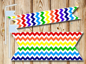 Chevron pattern straw decoractions in rainbow colors  | Free printable straw decorations