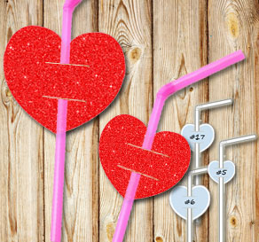 Straw decorations with red glitter hearts  | Free printable for Valentines day