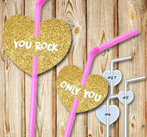 Straw decorations with gold glitter hearts and text  | Free printable for Valentines day