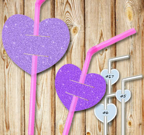 Straw decorations with purple glitter hearts  | Free printable for Valentines day
