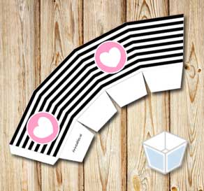 Black- and white treat box with pink hearts  | Free printable for Valentines day